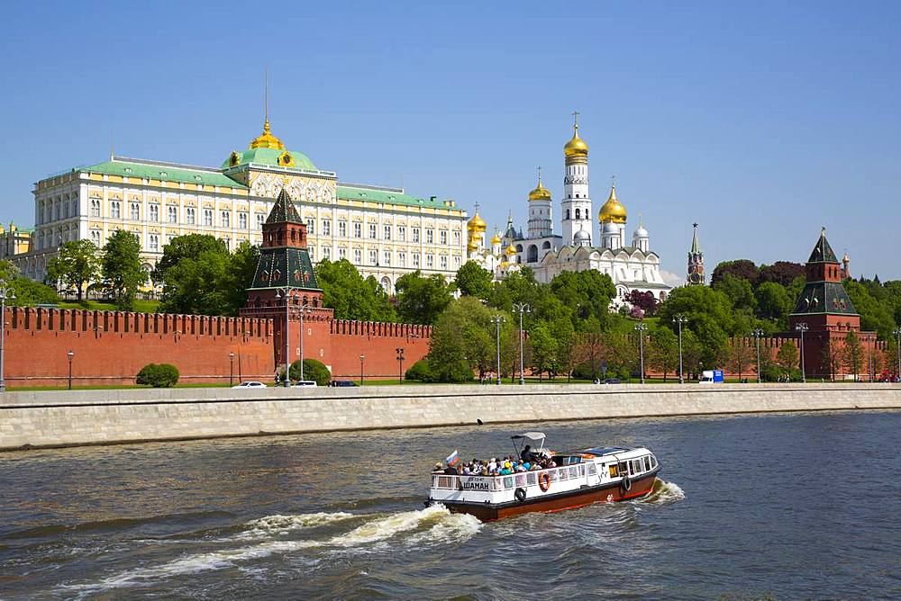 Tour Boat on Moscow River, Kremlin, UNESCO World Heritage Site, Moscow, Russia, Europe - 801-2380