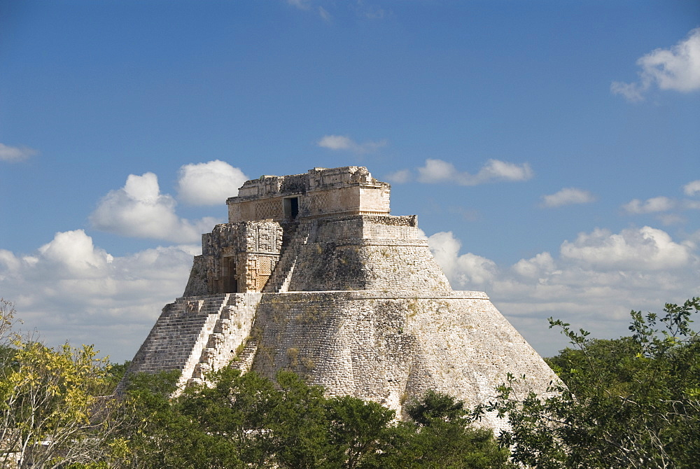 Casa del Advino (Magician's House), Uxmal, UNESCO World Heritage Site, Yucatan, Mexico, North America