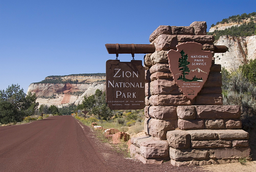 East entrance, Zion National Park, Utah, United States of America, North America