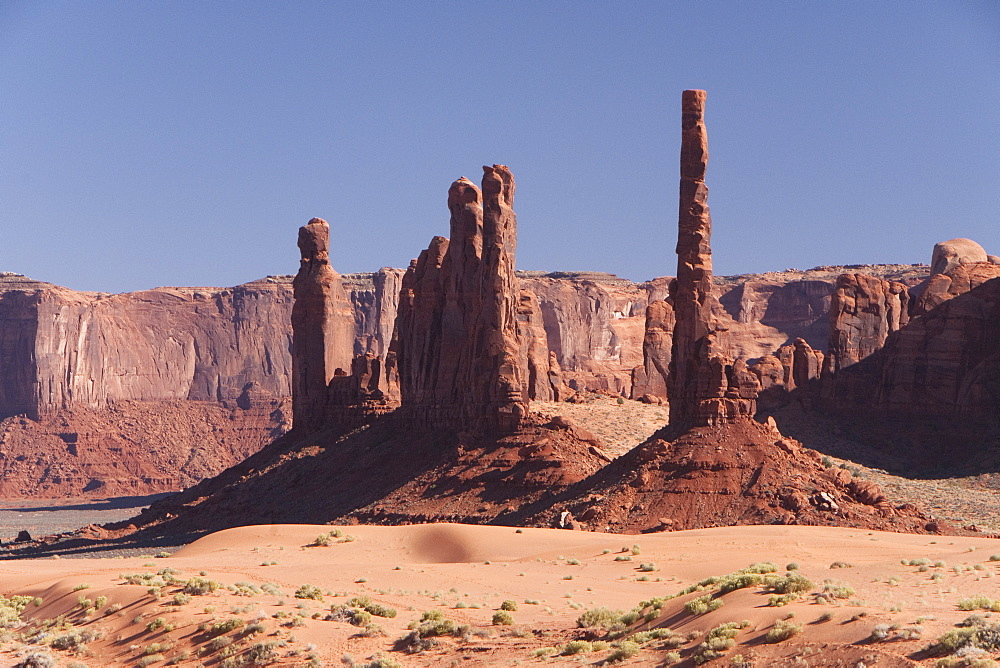 Monument Valley Navajo Tribal Park, Yei Be Chei (left), Totem Pole (right), Utah, United States of America, North America