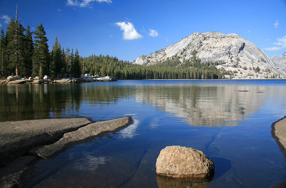 Looking east across Tenaya Lake in the heart of Tuolumne Valley, Sierra Nevada mountains, California, United States of America