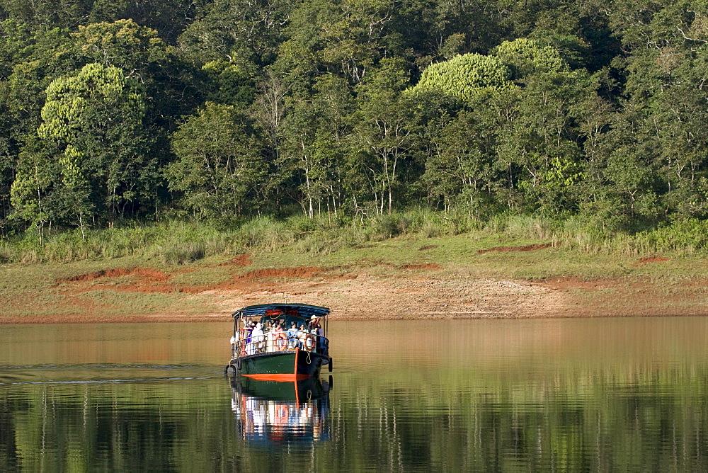 Boating, Periyar Tiger Reserve, Thekkady, Kerala, India, Asia - 804-342