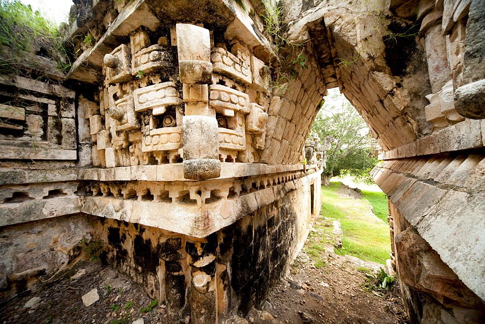 Palace of Labna, Mayan ruins, Labna, Yucatan, Mexico, North America - 804-395