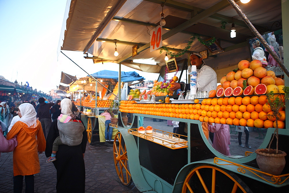 Orange juice seller, Djemaa el Fna, Marrakech, Morocco, North Africa, Africa - 806-230