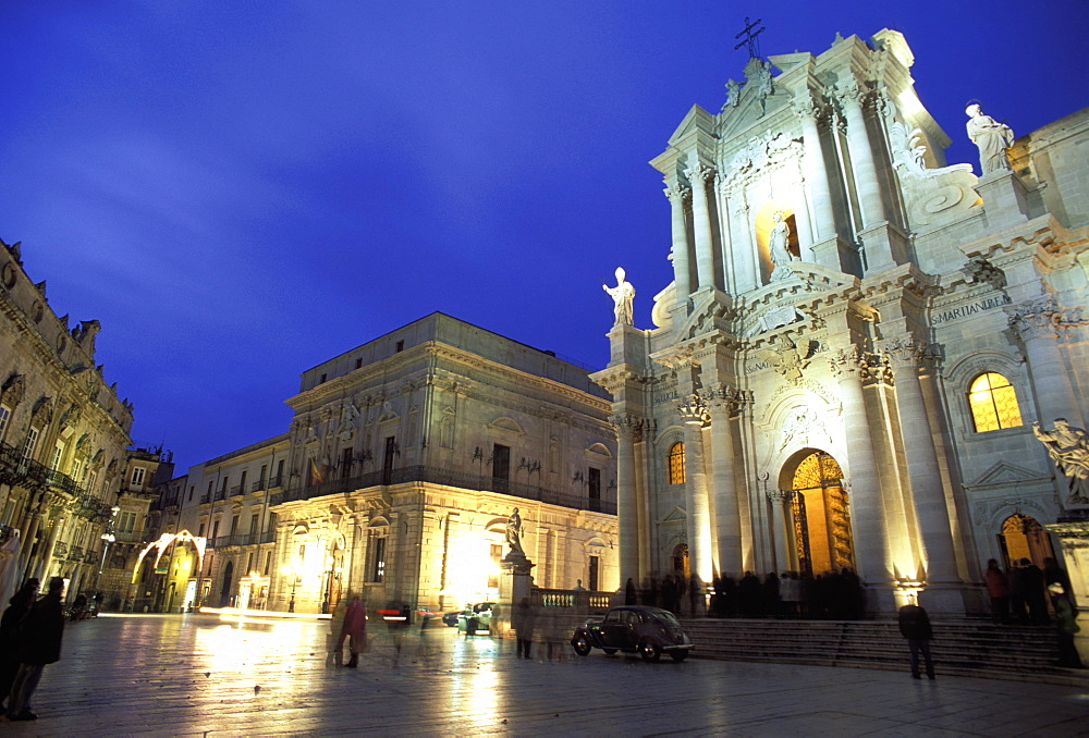 Duomo Square at dusk, Ortygia, Siracusa, Sicily, Italy, Europe - 806-276
