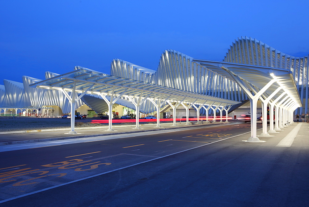 Train Station, designed by Santiago Calatrava, Reggio Emilia, Emilia Romagna, Italy, Europe - 806-334