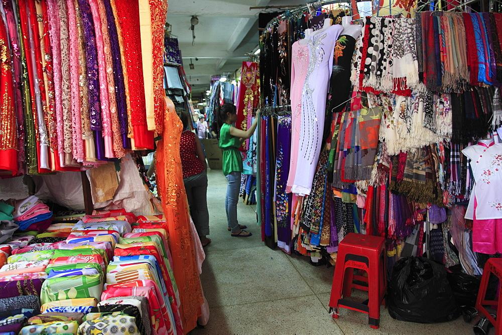 Textiles, Binh Tay Market, Cholon, Chinatown, Ho Chi Minh City (Saigon), Vietnam, Indochina, Southeast Asia, Asia