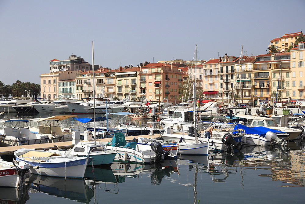 Harbor, Port, Le Suquet, Old Town, Cannes, Alpes Maritimes, Cote d'Azur, Provence, French Riviera, France, Europe