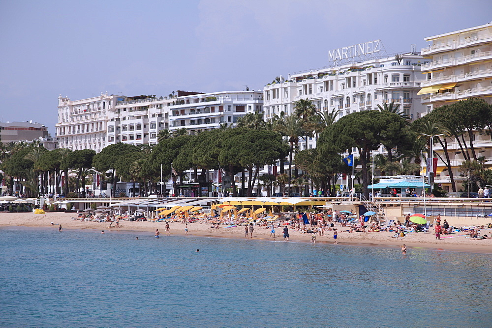 Beach, La Croisette, Cannes, Cote d'Azur, Alpes Maritimes, Provence, French Riviera, France, Mediterranean, Europe
