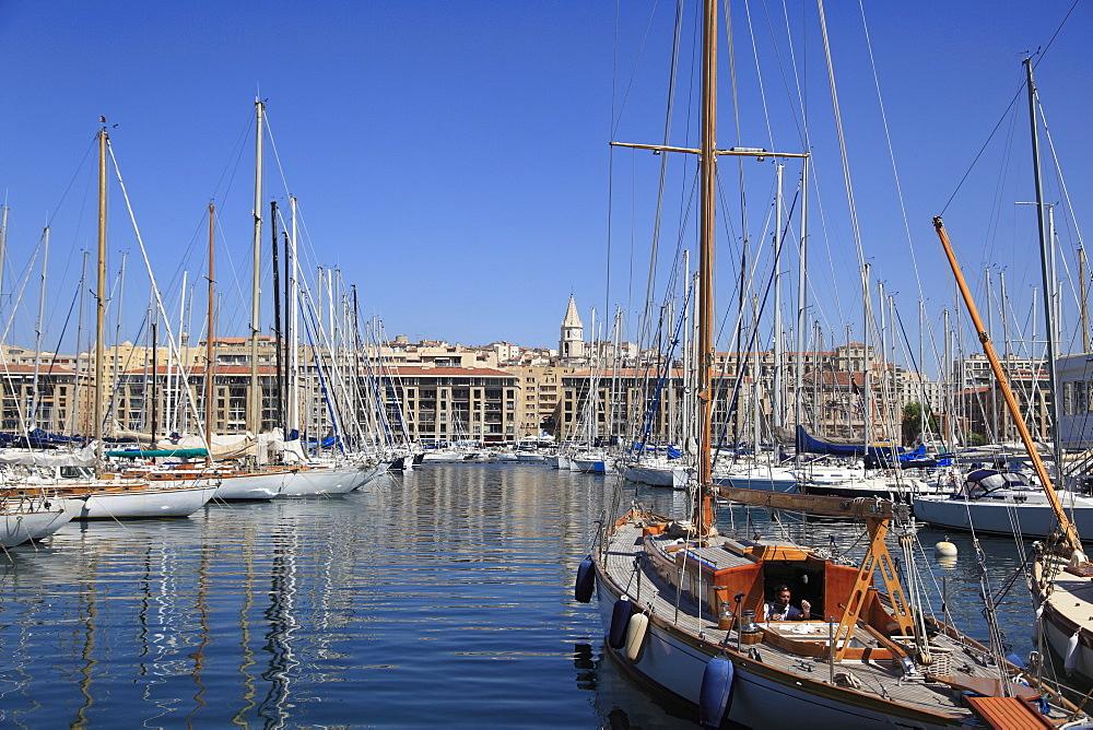 Vieux Port (Old Port), Harbor, Marseille, Bouches du Rhone, Provence Alpes Cote d Azur, Provence, France, Mediterranean, Europe