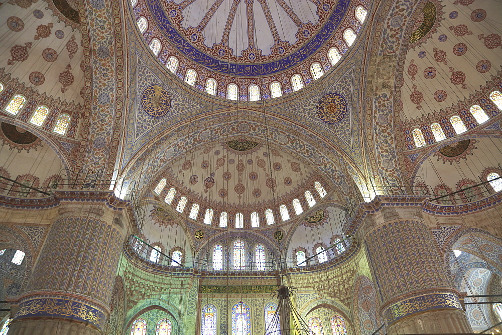 Interior, Blue Mosque (Sultan Ahmed or Ahmet Mosque) (Sultanahmet Camii), UNESCO World Heritage Site, Istanbul, Turkey, Europe