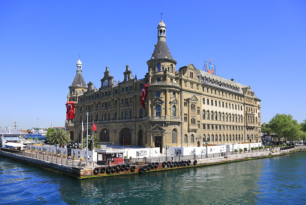 Historic Haydarpasa Railway Station, Neo-Renaissance architecture, Kadikoy, Asian Side, Istanbul, Turkey, Anatolia, Asia Minor, Eurasia