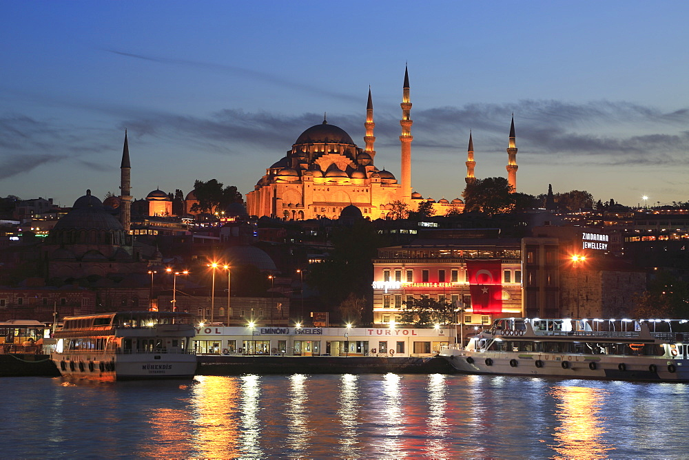 Old City, Suleymaniye Mosque at dusk, Eminonu, Golden Horn, Bosphorus, Istanbul, Turkey, Europe