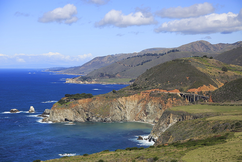 Big Sur Coastline, Bixby Creek Bridge, Route 1, Highway 1, Pacific Coast Highway, Pacific Ocean, California, United States of America, North America