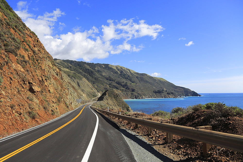 Big Sur Coastline, Route 1, Highway 1, Pacific Coast Highway, Pacific Ocean, California, USA