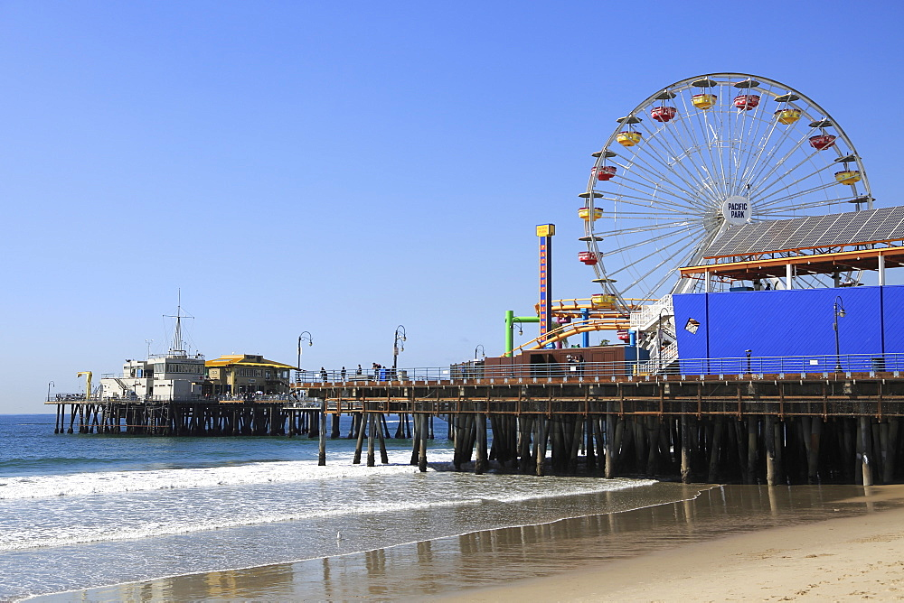Santa Monica Pier, Pacific Park, Beach, Santa Monica, Los Angeles, Pacific Ocean, California, USA