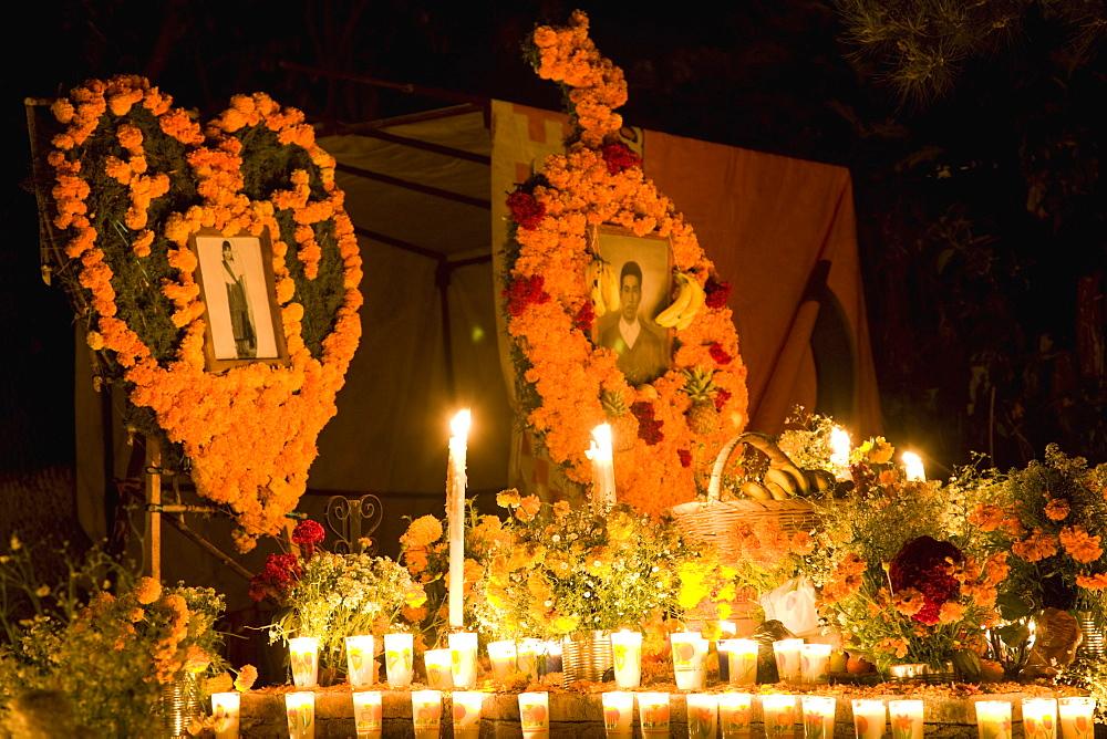 Cemetery Vigils, Day of the Dead, Tzintzuntzan, near Patzcuaro, Michoacan state, Mexico, North America