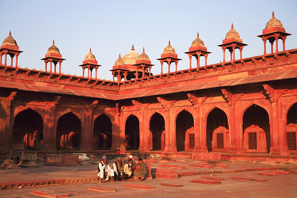 Inner courtyard of Jama Masjid, Fatehpur Sikri, UNESCO World Heritage Site, Uttar Pradesh, India, Asia