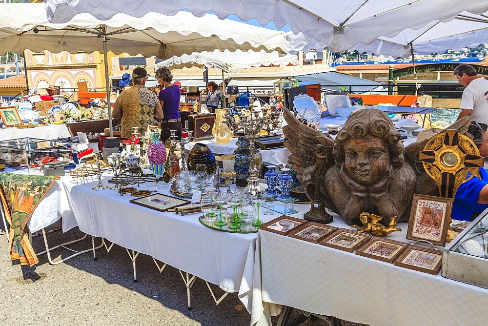 Antique and bric-a-brac market, Villefranche-sur-Mer, Alpes Maritimes, Provence, Cote d'Azur, French Riviera, France, Europe