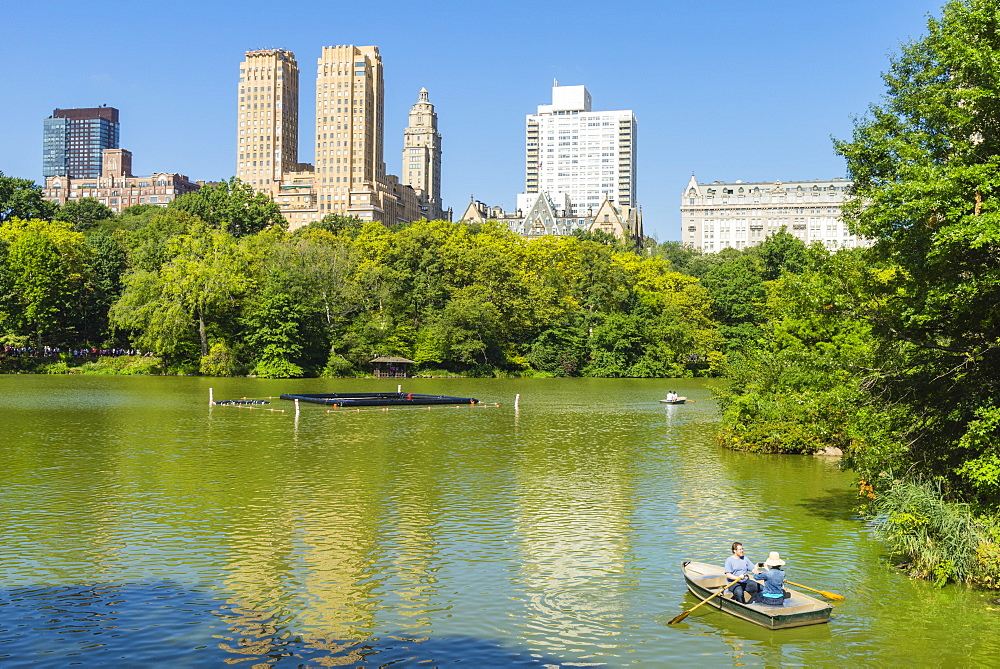 Boating on The Lake, Central Park, Manhattan, New York City, New York, United States of America, North America