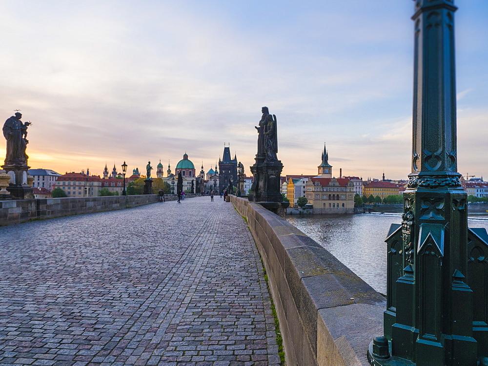 Charles Bridge, early morning, UNESCO World Heritage Site, Prague, Czech Republic, Europe