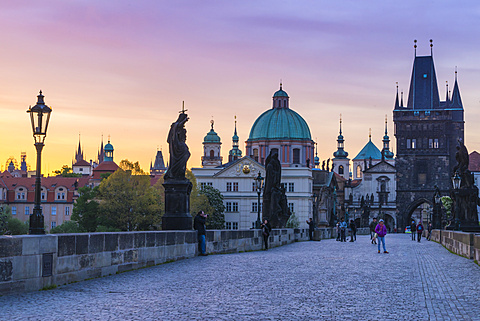 Sunrise on Charles Bridge, UNESCO World Heritage Site, Prague, Czech Republic, Europe
