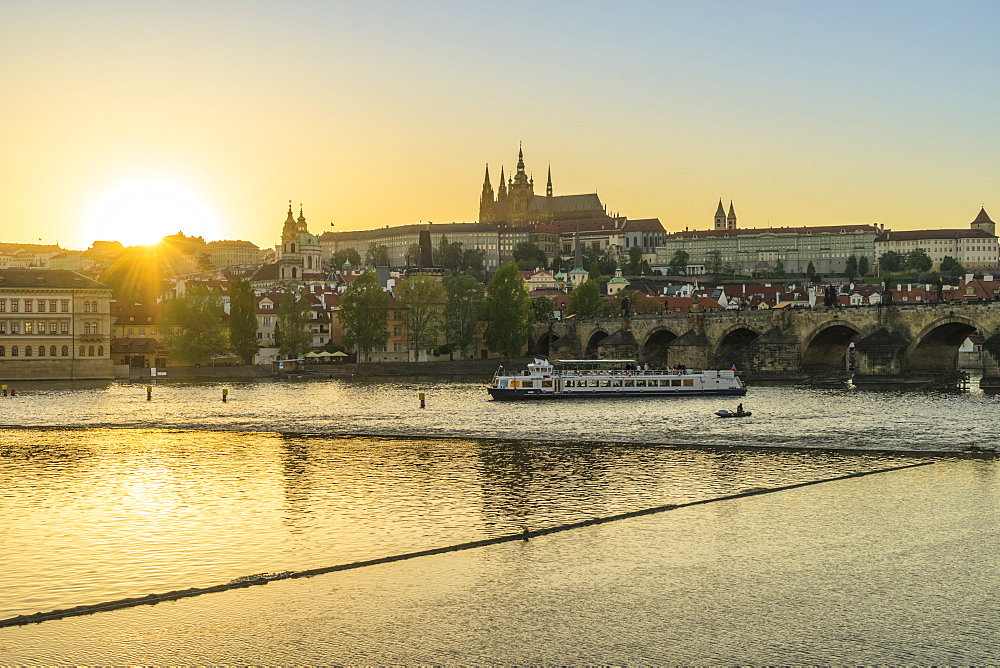 Royal Palace and St. Vitus's Cathedral at sunset, Prague, Czech Republic, Europe
