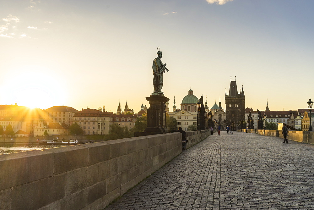 Charles Bridge, UNESCO World Heritage Site, Prague, Czech Republic, Europe