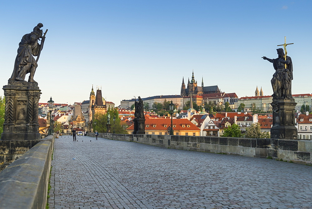 Early morning on Charles Bridge, UNESCO World Heritage Site, Prague, Czech Republic, Europe