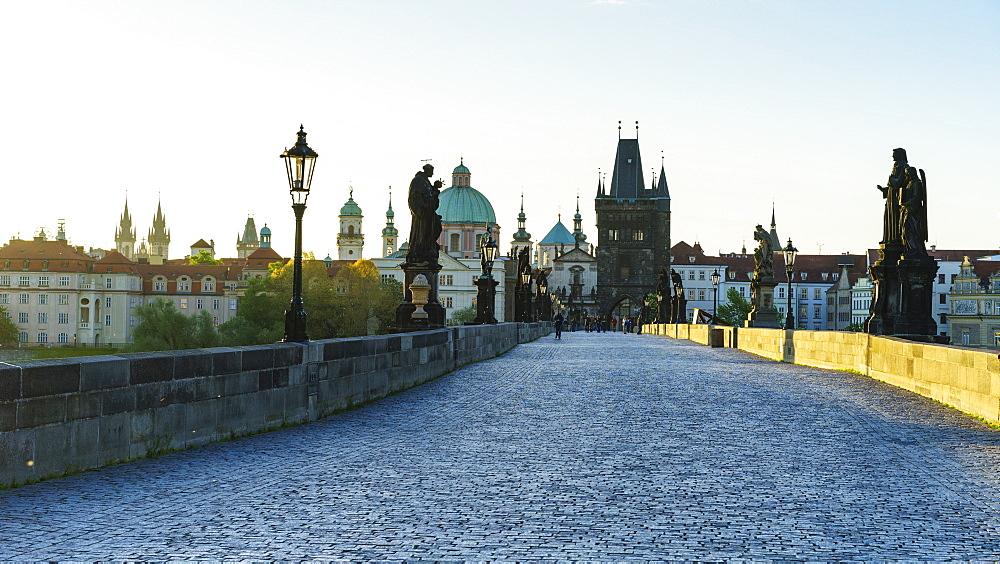 Charles Bridge, UNESCO World Heritage Site, Prague, Czech Republic, Europe - 808-1536