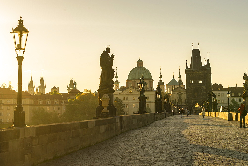 Sunrise on Charles Bridge, UNESCO World Heritage Site, Prague, Czech Republic, Europe
