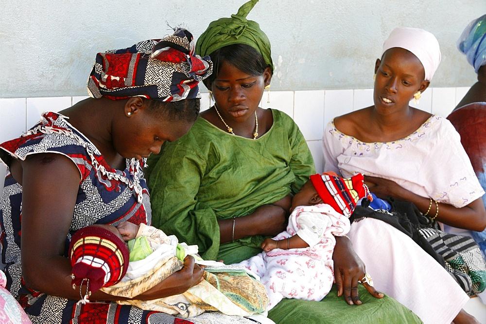 Mothers in a dispensary, Garage-Bentenier, Thies, Senegal, West Africa, Africa