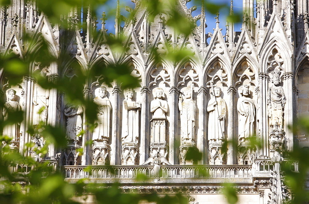Kings gallery, Reims cathedral, UNESCO World Heritage Site, Reims, Marne, France, Europe