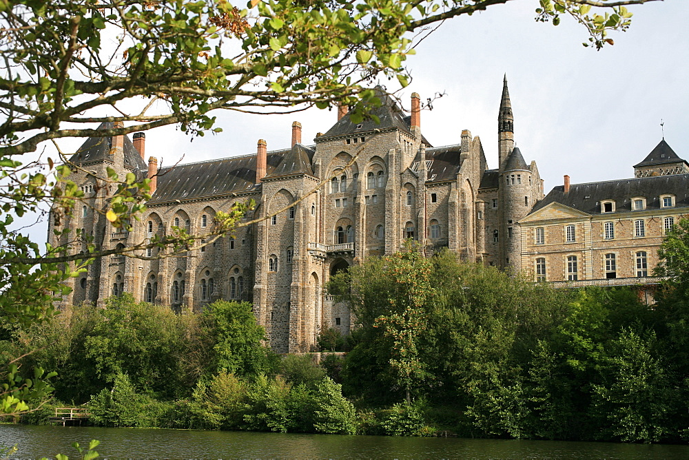 Solesmes Benedictine Abbey overlooking the Sarthe River, Solesmes, Sarthe, France, Europe