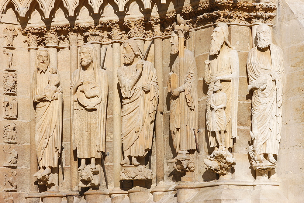 Statues of Simon, John the Baptist, Isaiah, Moses, Abraham and Aaron on the west front of Reims cathedral, UNESCO World Heritage Site, Reims, Marne, France, Europe