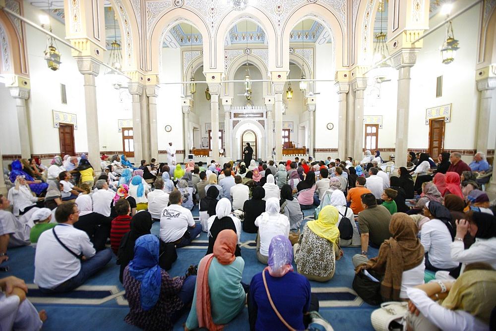 Guided tour, Jumeirah mosque, Dubai, United Arab Emirates, Middle East
