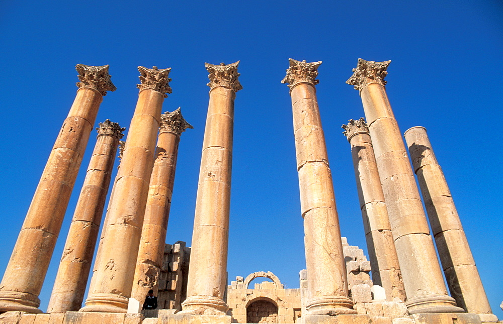 The Temple of Artemis, built in the 2nd century AD, Jerash, Jordan, Middle East
