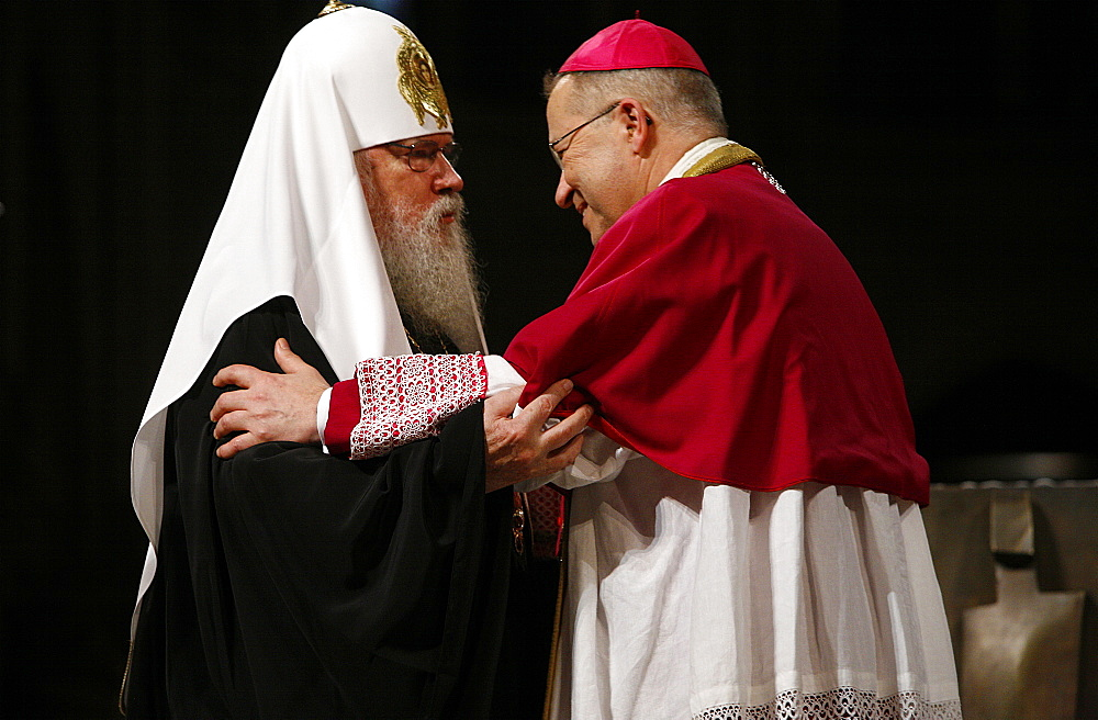 Moscow Orthodox Patriarch Alexis II with Paris Archbishop Andre Vingt-Trois in Notre Dame cathedral, Paris, France, Europe