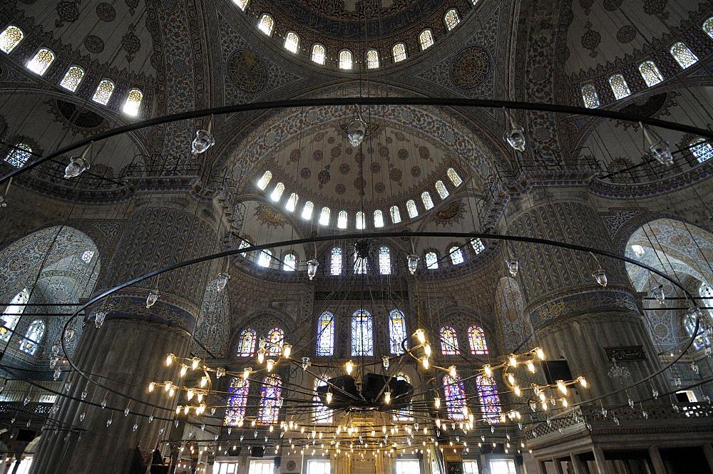 Interior, Blue Mosque (Sultan Ahmet), Istanbul, Turkey, Europe