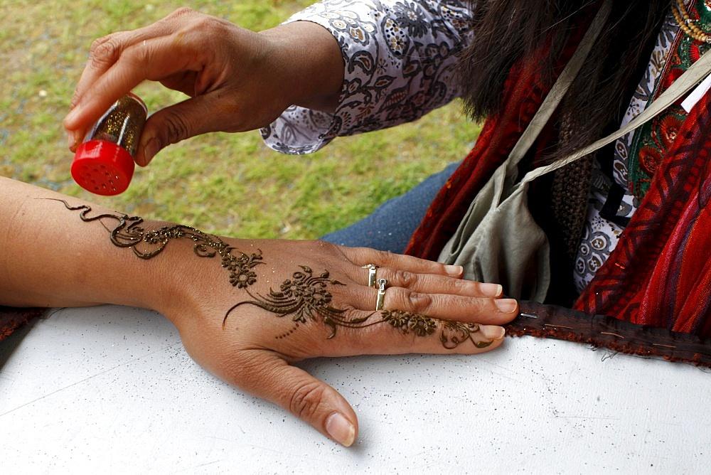 Henna tatooing, Watford, Hertfordshire, England, United Kingdom, Europe