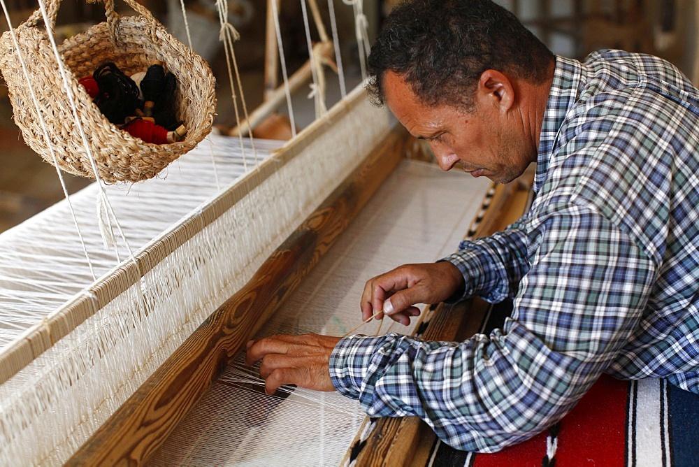Weaver, Midoun, Tunisia, North Africa, Africa