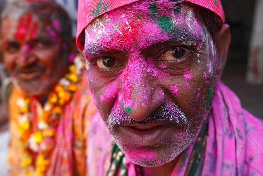 Hindus celebrating Holi festival, Dauji, Uttar Pradesh, India, Asia  - 809-5126