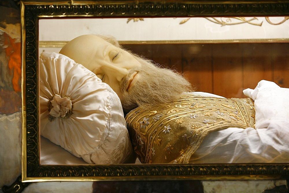 Detail of recumbent figure in the Visitation Basilica, Saint-Francois de Sales, Annecy, Haute Savoie, France, Europe