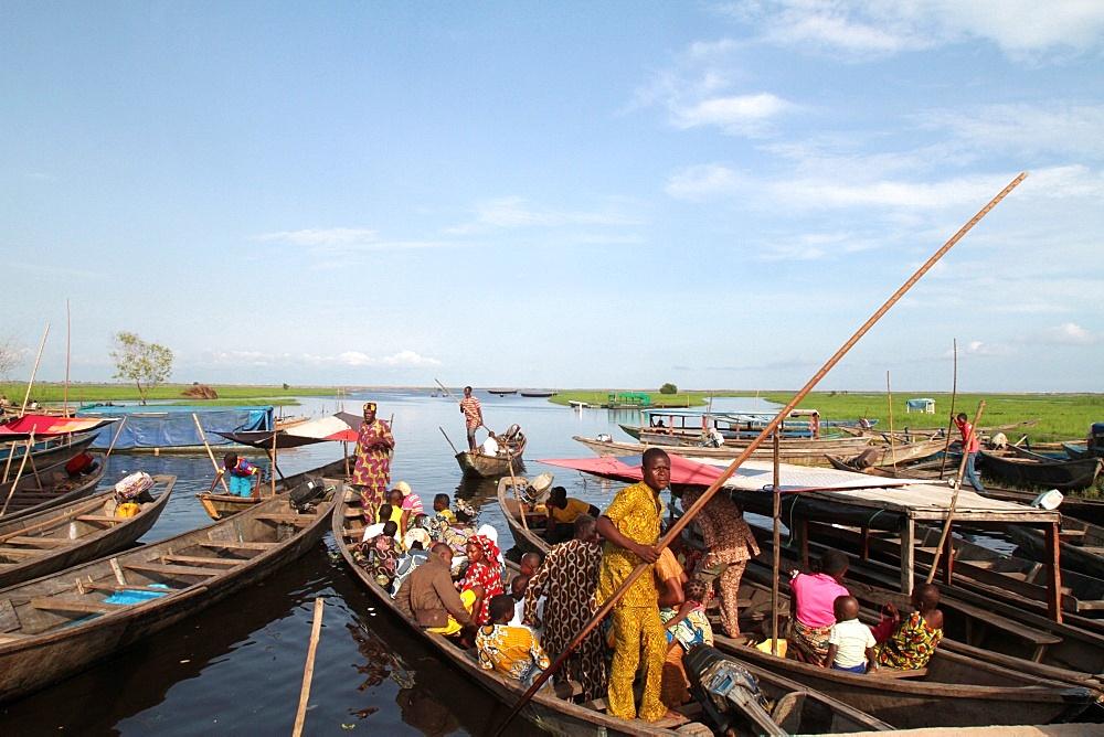 Starting of canoes on Lake Nokoue, Ganvie, Benin, West Africa, Africa