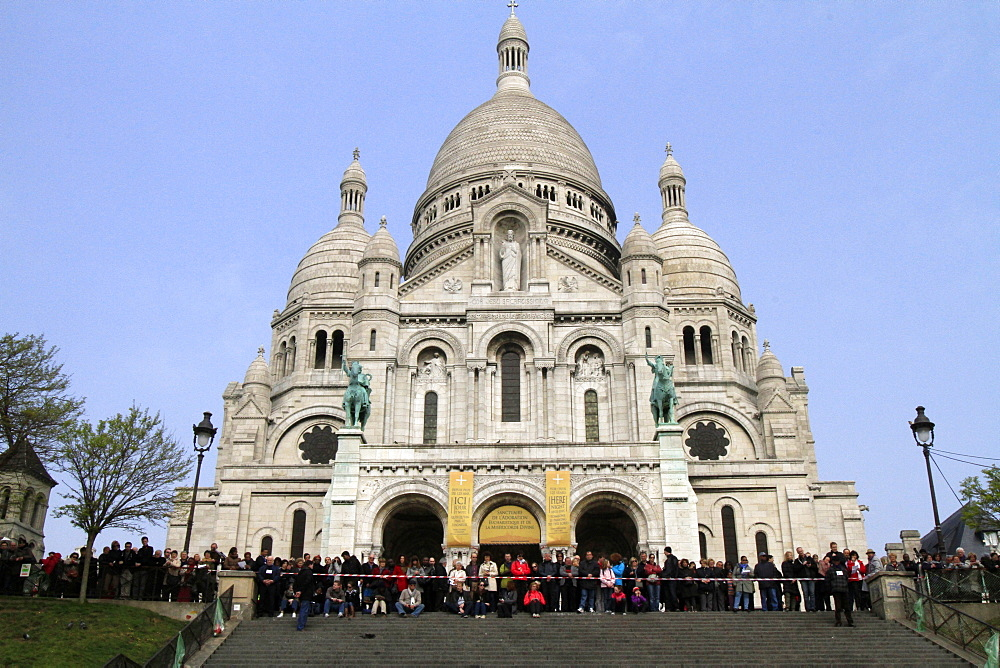 Stations of the Cross on Good Friday at the Sacre-Coeur, Montmartre, Paris, France, Europe