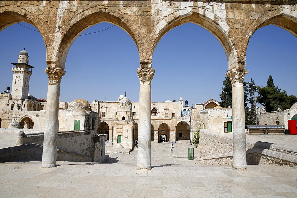 Stone arches at Dome of the Rock, UNESCO World Heritage Site, Jerusalem, Israel, Middle East