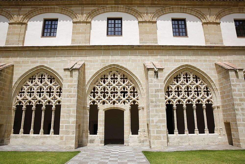 Real Convento de Santo Domingo (Sto Domingo Royal Convent) cloister, Jerez de la Frontera, Andalucia, Spain, Europe