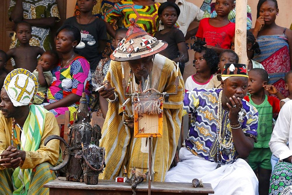 Voodoo priest performing a ritual, Ouidah, Benin, West Africa, Africa