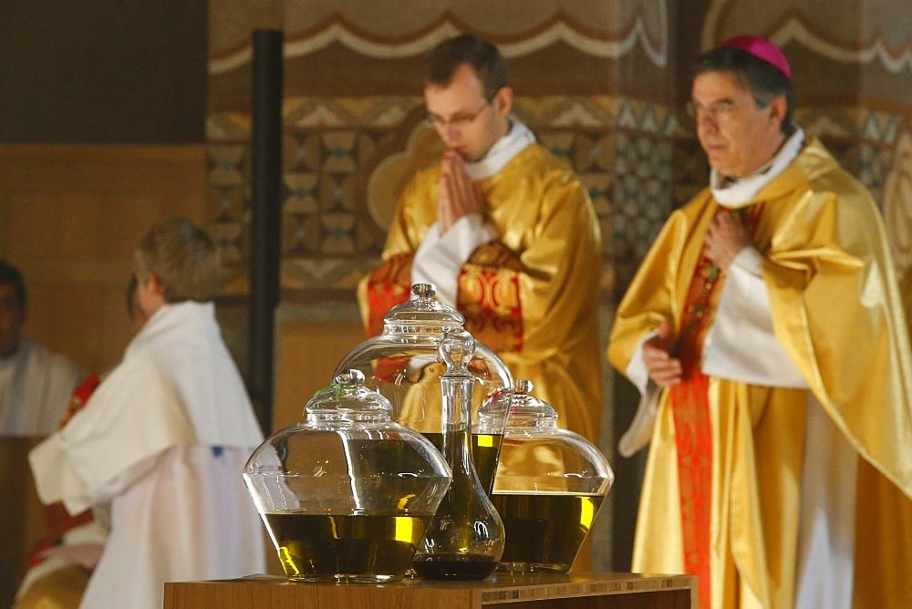 Chrism mass in Sainte Genevieve's cathedral, Nanterre, Hauts-de-Seine, France, Europe - 809-6728