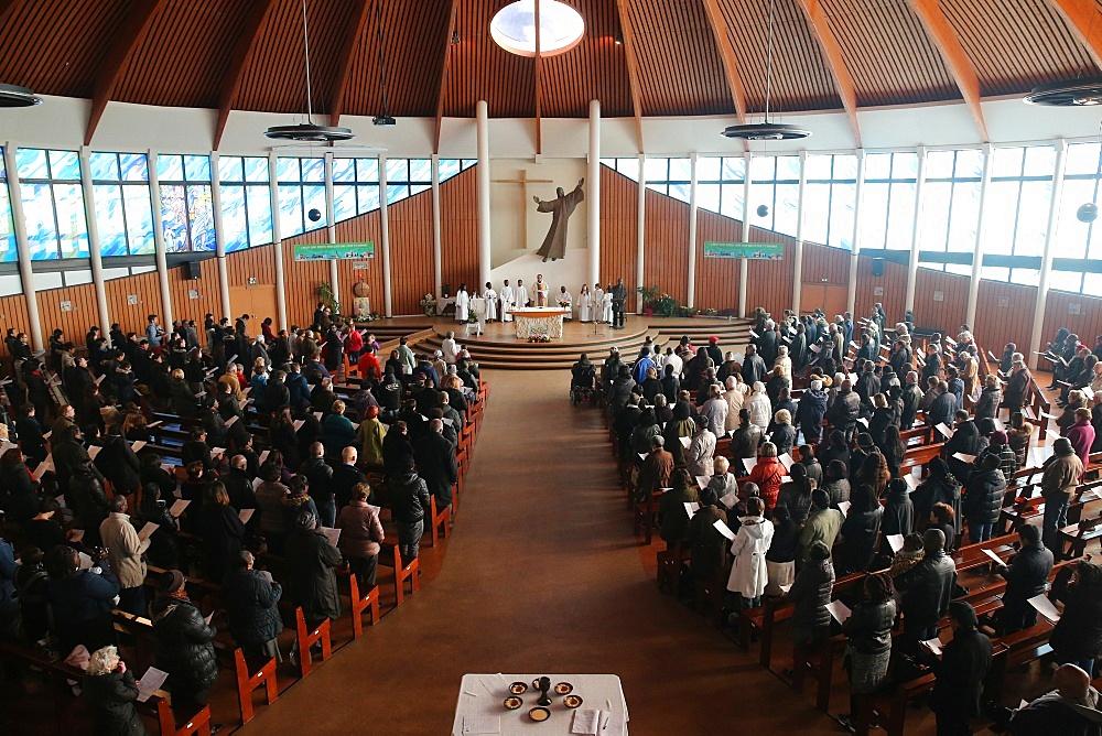 Catholic Sunday Mass, Notre-Dame-du-Val church, Bussy-Saint-Georges, Seine-et-Marne, France, Europe